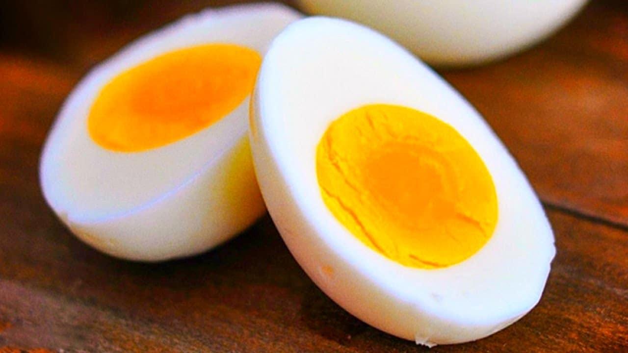 فوائد تناول البيض المسلوق يوميا
